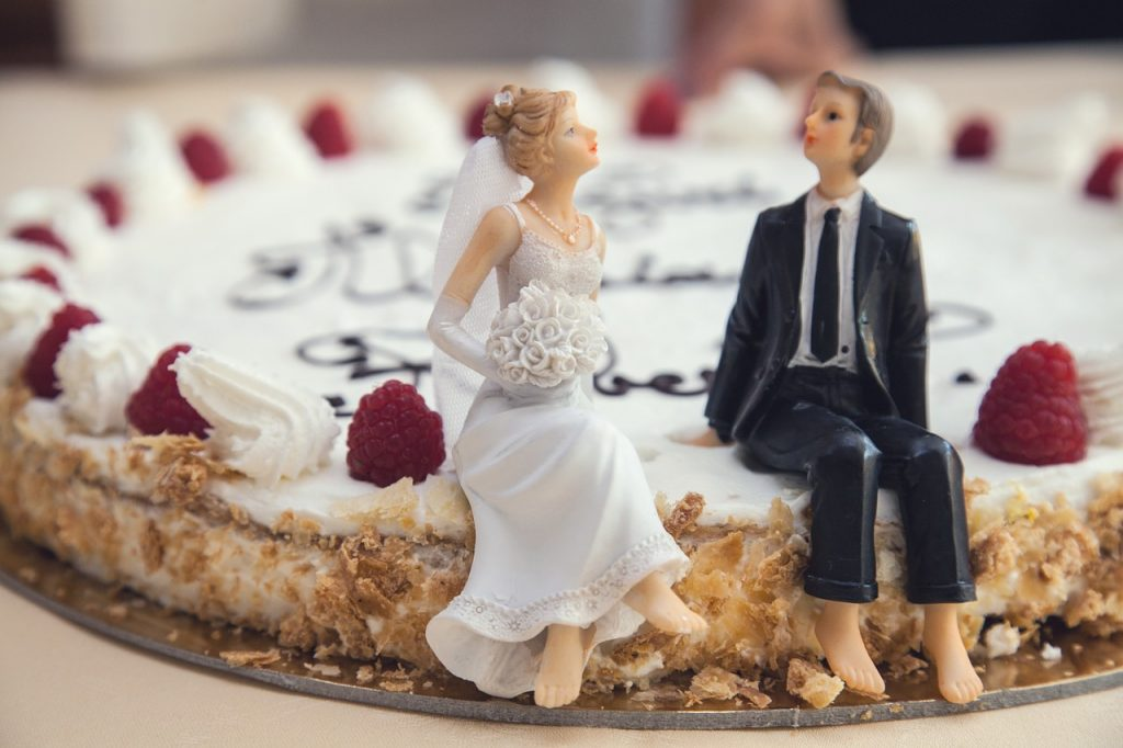 wedding-cake-407170_1280-1024x682